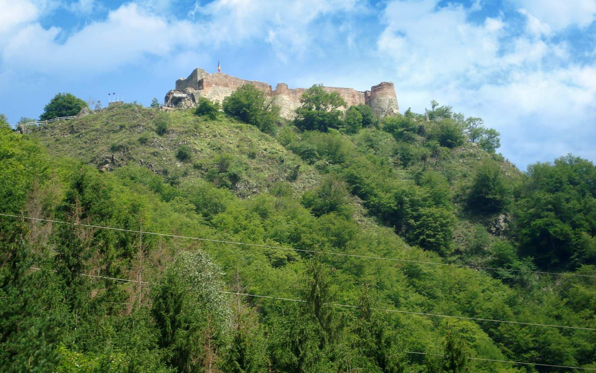 La 950m de Cetatea Poienari